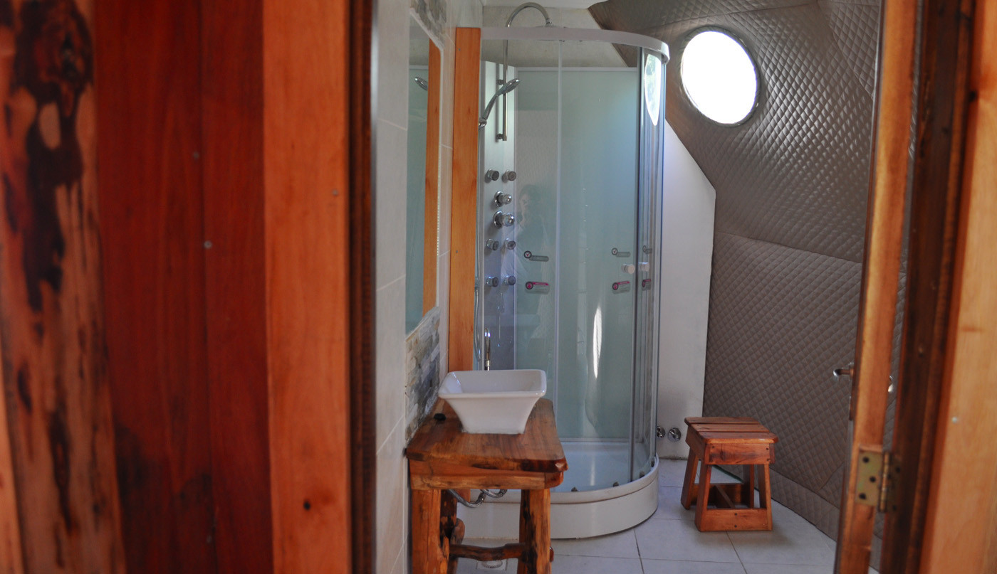 Dome with private bathroom and Fitz Roy Views. Prices expressed in USD.