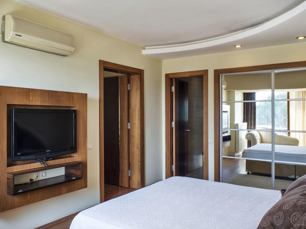Bed & Breakfast, Suite