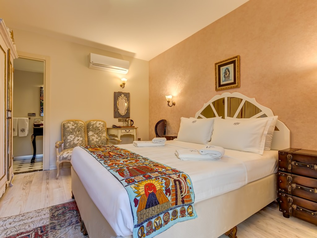Bed & Breakfast, Economy Room