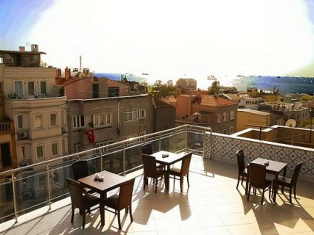 Çatı katı 3 odalı apart daire-deniz manzaralı