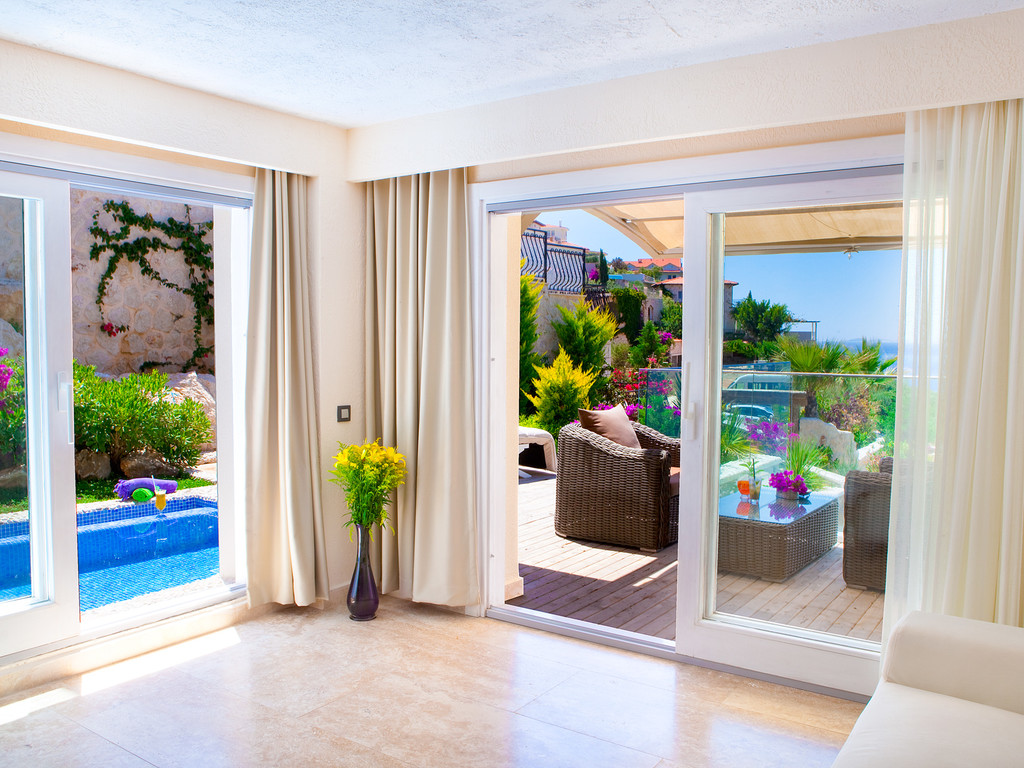 Deluxe Rooms With Private Pool