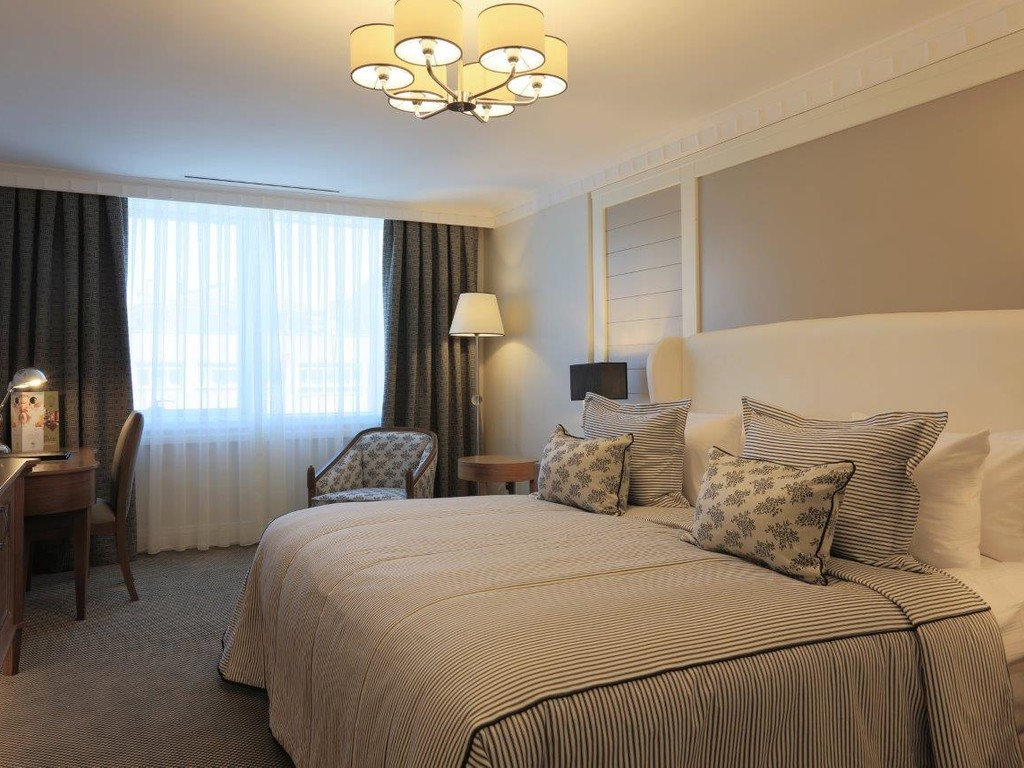 Twin Double Bed Hotel