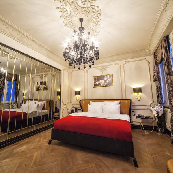 Comfort Room With Golden Horn View
