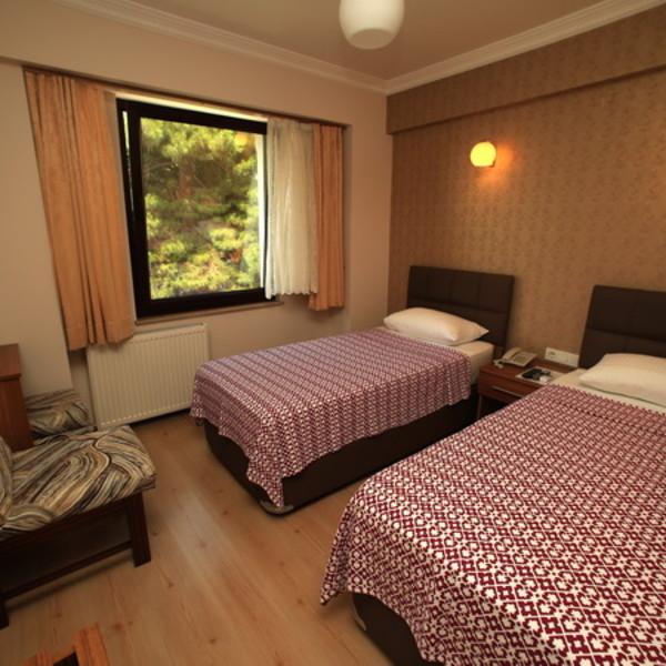 Bed & Breakfast, Twin Room